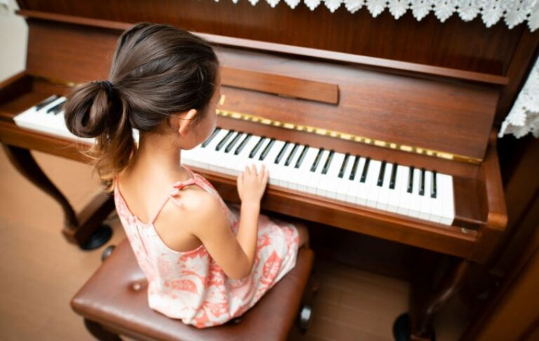 10 Benefits of Playing the Piano